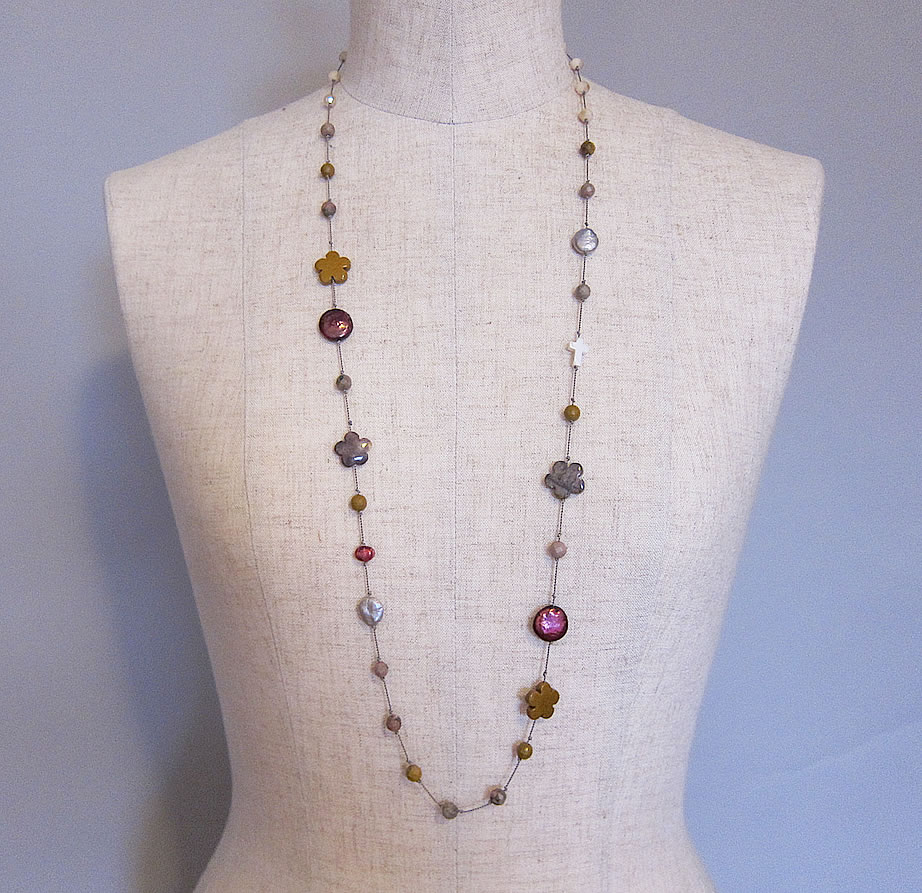 Griffin cord necklace flower