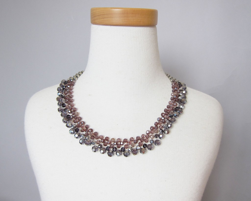 party necklace rose1
