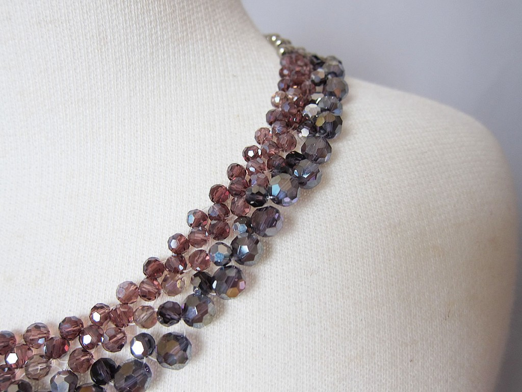 party necklace rose2