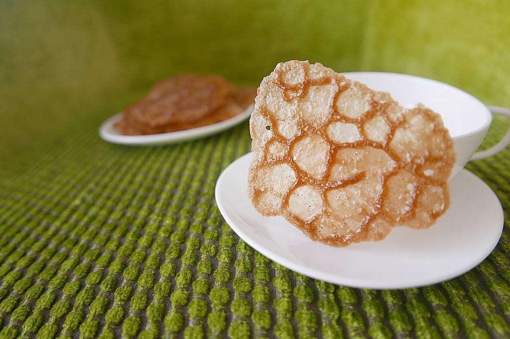 coffee lace cookie