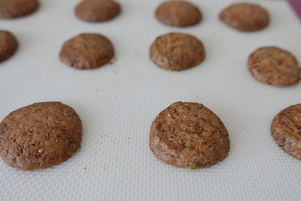 h nuts cookie