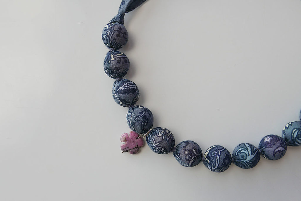 fabric neckless2