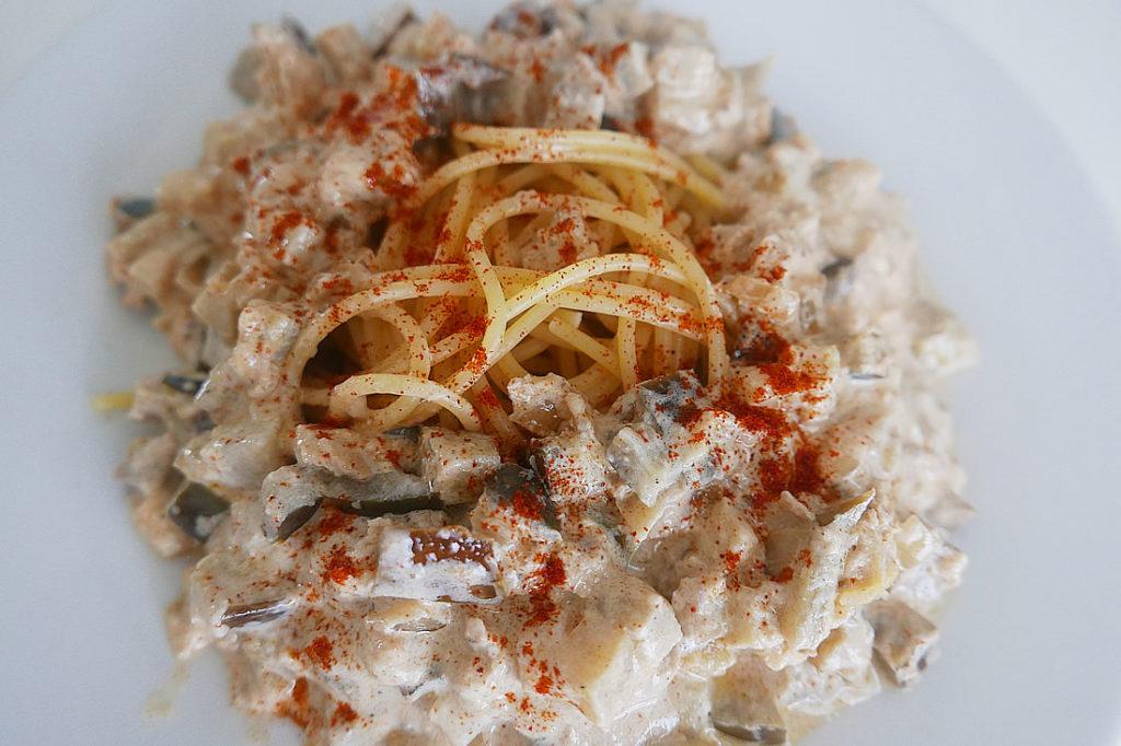 Tuna and eggplant pasta sauce