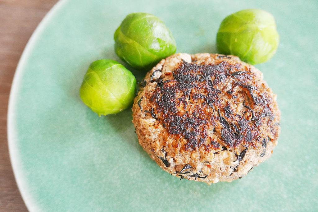 Hijiki and tofu meatballs