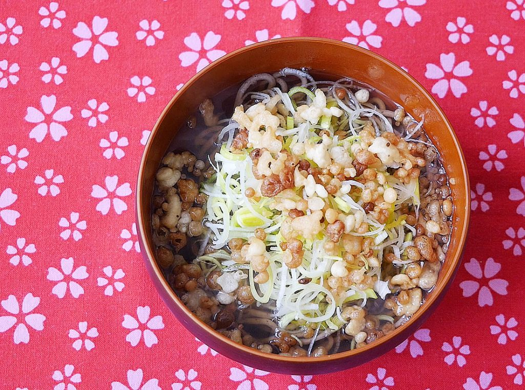 Soba in hot soup