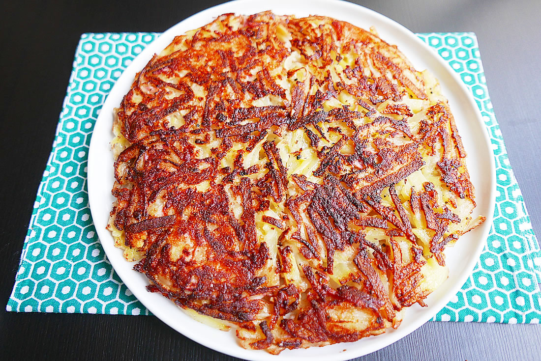 """Hash brown"" Potato pizza"