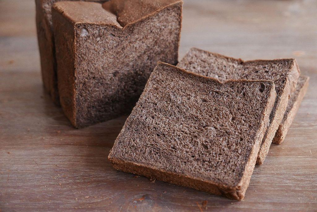 Black bread loaf - Black shokupan