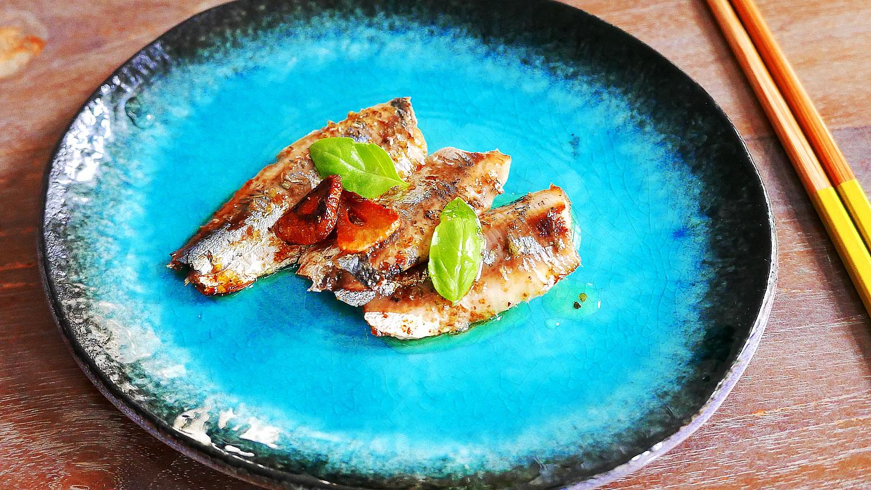 Homemade olive oil sardines